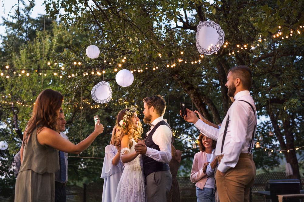 26 Stunning Backyard Wedding Arch Ideas To Inspire You for Your Big Day