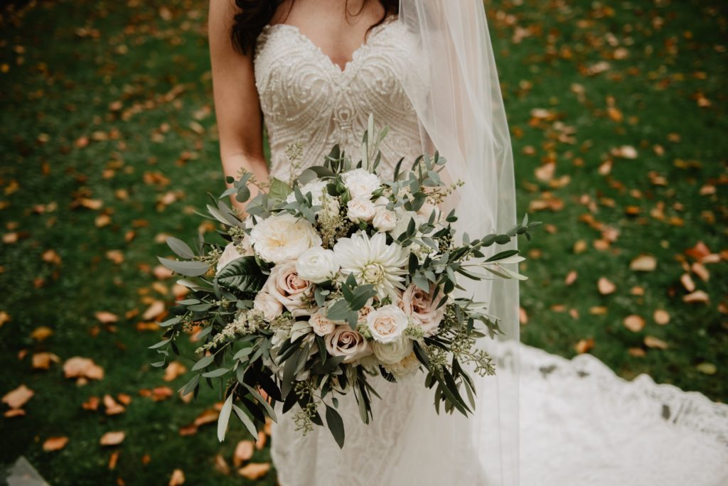 30+ Gorgeous Olive Green Wedding Color Ideas