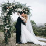 35 Green, Black, and White Wedding Ideas for Fall