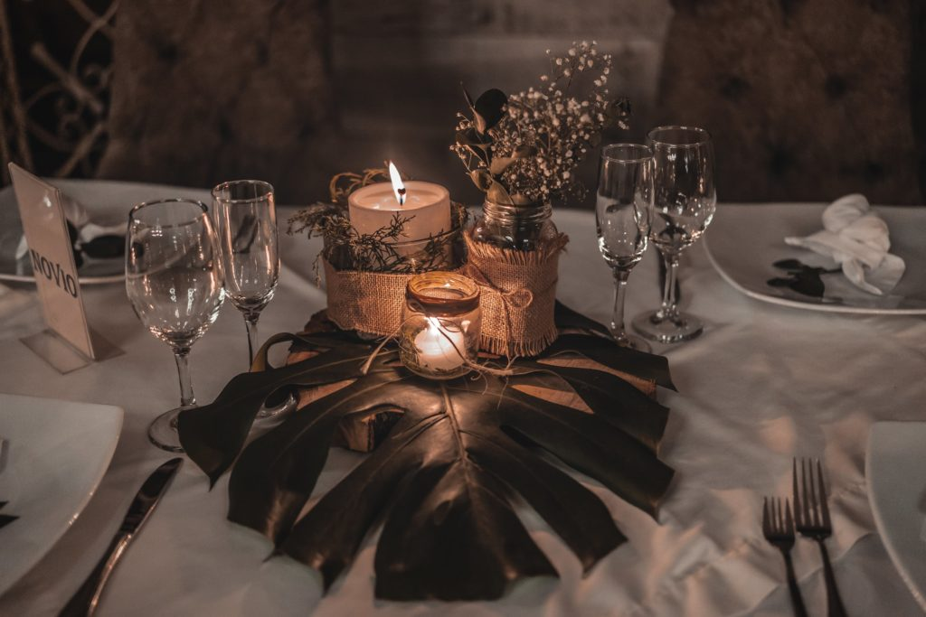Affordable Unique & Easy Centerpiece Ideas You'll Love Using Candles