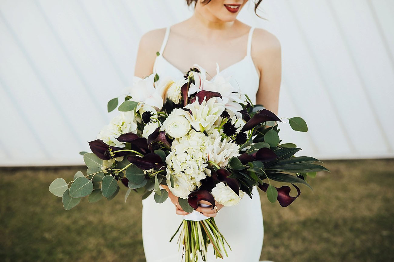 Green, Black, and White Wedding Flowers 2