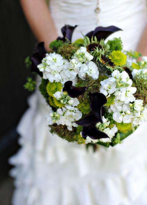 Green, Black, and White Wedding Flowers 3